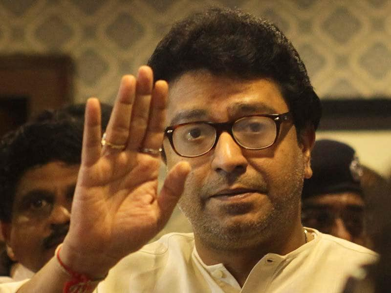MNS chief Raj Thackeray interacts with party workers at his residence 'Krishnakunj' in Shivaji Park in Mumbai. (Kalpak Pathak/HT photo)