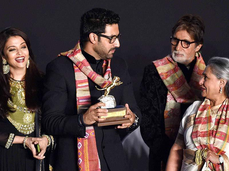 Amitabh Bachchan, Jaya Bachchan, Abhishek Bachchan and Aishwarya Rai Bachchan during inauguration of 20th Kolkata International Film Festival in Kolkata. (Photo: PTI)