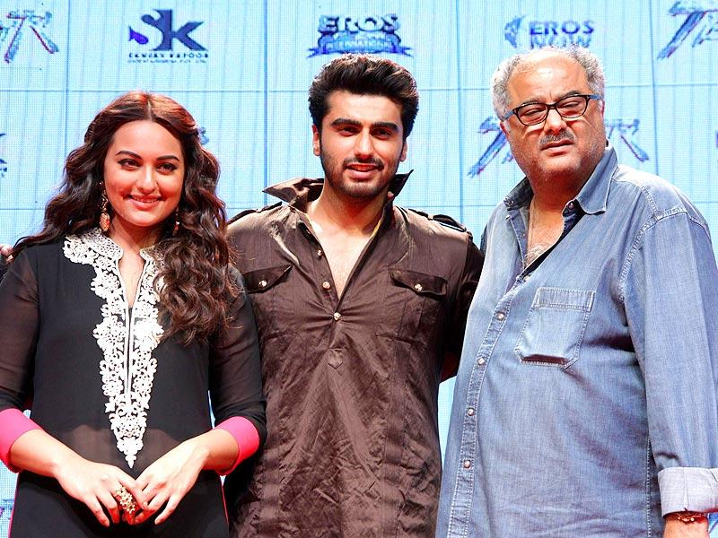 Boney Kapoor poses with Sonakashi Sinha and Arjun Kapoor at the trailer launch of film `Tevar` in Mumbai on 10 Nov. 2014. (Photo: IANS)