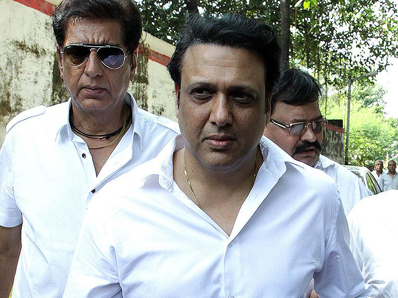 Govinda attends the funeral of Bollywood film producer and director Ravi Chopra in Mumbai on November 13, 2014. (AFP Photo)
