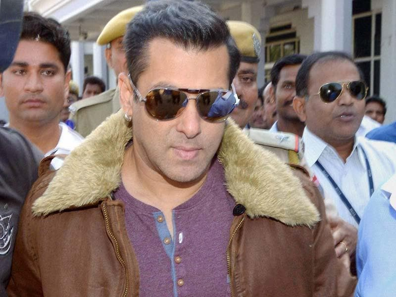 Salman Khan at the Jodhpur court for a hearing in the 1998 Blackbuck poaching case in Jodhpur. (PTI Photo)