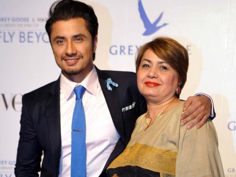 Pakistani actor Ali Zafar poses with his mother Kanwal Ameen at the Grey Goose Fly Beyond Awards' ceremony in Mumbai. (AFP Photo)