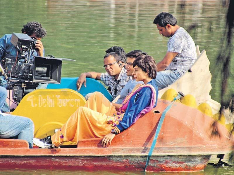 Kangana Ranaut and R Madhavan shoot in Delhi for Tanu Weds Manu sequel. (Photo: Shivam Saxena/HT)