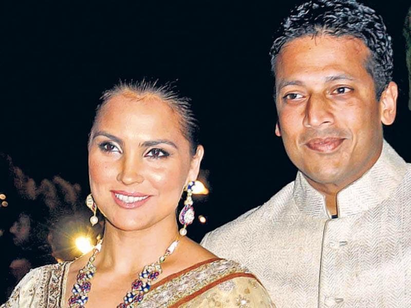 Lara and Mahesh Bhupathi at Arpita Khan's reception. (Yogen Shah/HT photo)