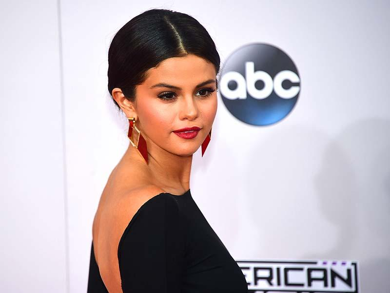 Selena Gomez attends the 2014 American Music Awards at Nokia Theatre LA Live in Los Angeles, USA, November 23, 2014. (AFP)