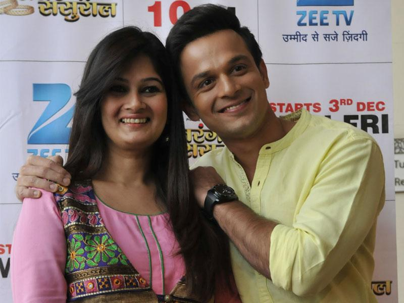 Actors Resham Tipnis and Ravish Desai visit Bhopal to promote their upcoming TV show Satrangi Sasural. (Mujeeb Faruqui/HT photo)