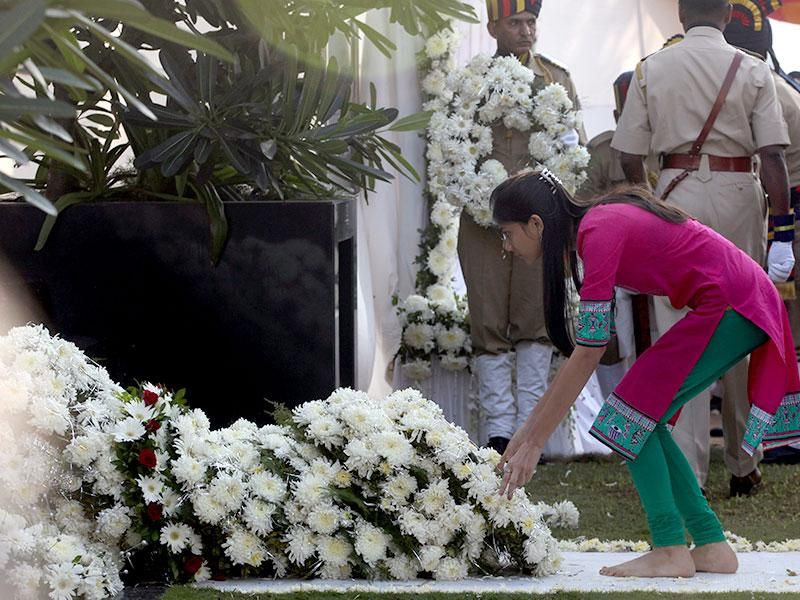 Families of the victims, who died in the 26/11 attacks in Mumbai, pay tributes in Mumbai. (Kunal Patil/HT photo)