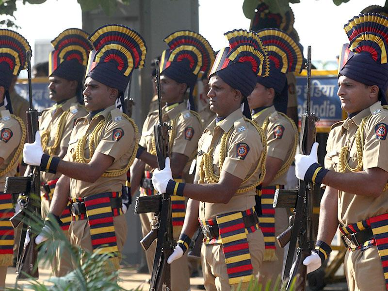 The Maharashtra government has decided to discontinue the colonial-era practice of according police guard of honour to ministers and top officials during their district-level visits. (Kunal Patil/HT photo)