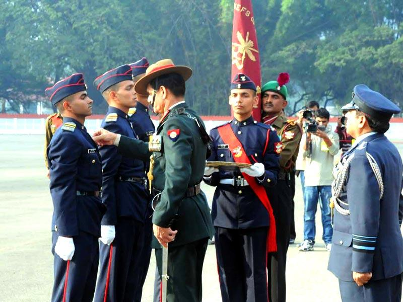 Army chief General Dalbir Singh meets cadets during the 127th Passing out Parade at National Defence Academy in Pune. (HT photo)