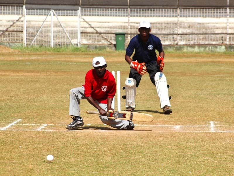 State-level blind cricketers during the two-day tournament organized by the Blind Welfare Organization and Thane rotary club in Thane. (Praful Gangurde/HT photo)