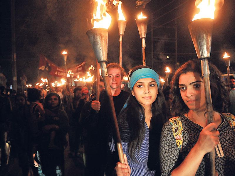 International Campaign for Justice organised a torch rally from Iqbal Maidan to Union Carbide factory on the eve of the 30th anniversary of Bhopal gas tragedy. (Praveen Bajpai/HT photo)