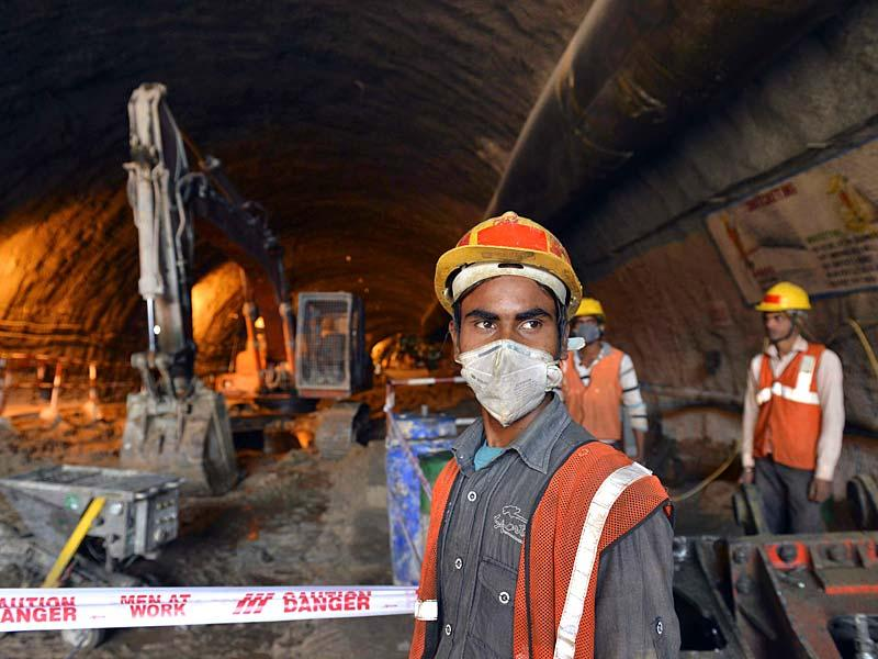 Tunnel construction below operational metro line at Kalkaji, in New Delhi. (HT Photo)