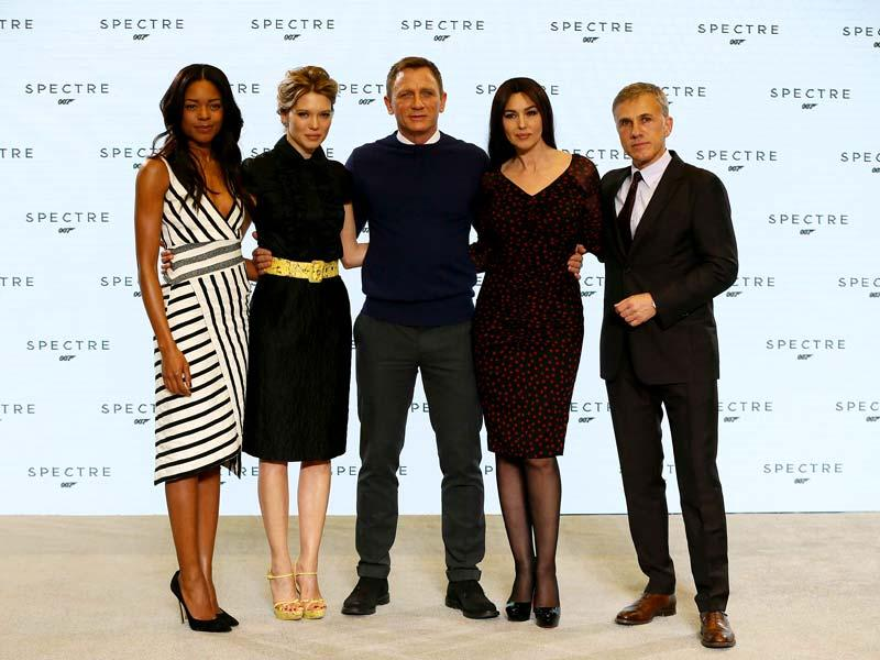 Actors Naomie Harris, Lea Seydoux, Daniel Craig, Monica Bellucci and Christoph Waltz pose during an event to launch the 24th James Bond film Spectre at Pinewood Studios in London. (AFP Photo)