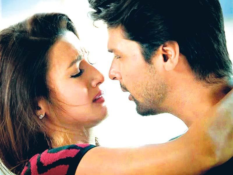 "People loved Gauahar Khan and Kushal Tandon as a ­couple on and off the show, but looks like they've finally called it off. ""... Kushal n I rnt tgether anymore fr reasons best knwn 2us.wld rqst ul 2 respect (sic),"" Gauahar posted on Twitter recently."