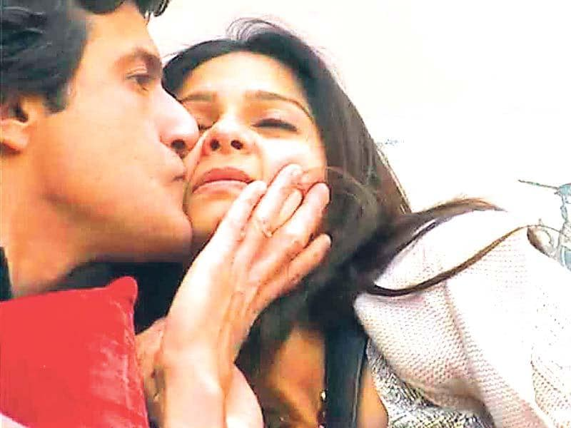 Tanishaa Mukerji and Armaan Kohli seemed to be very close on the show, and actors Armaan Kohli and Tanishaa Mukerji continued as a couple for over a year after the show. However, a few months back, Armaan took to Twitter to post about his break up and she, too, went on record saying that they had many differences.