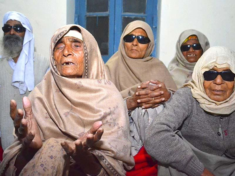 Patient who claimed loosing eye sight, most of the residents of Gaggo Mahal village near Ajnala admitted in Dr Ram Lal Eye and ENT hospital at Majitha Road, in Amritsar. (Sameer Sehgal/HT Photo)