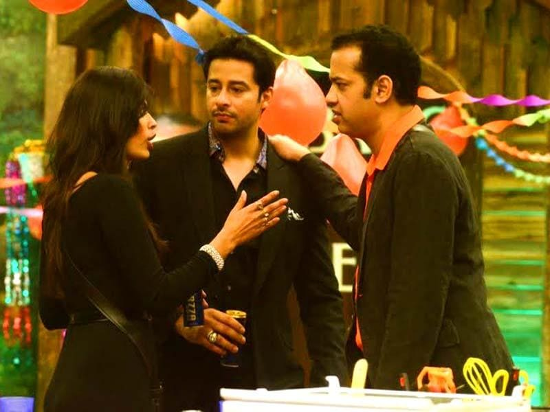 Sonali Raut in an animated discussion with Rahul Mahajan and model-actor Zulfi Sayed.