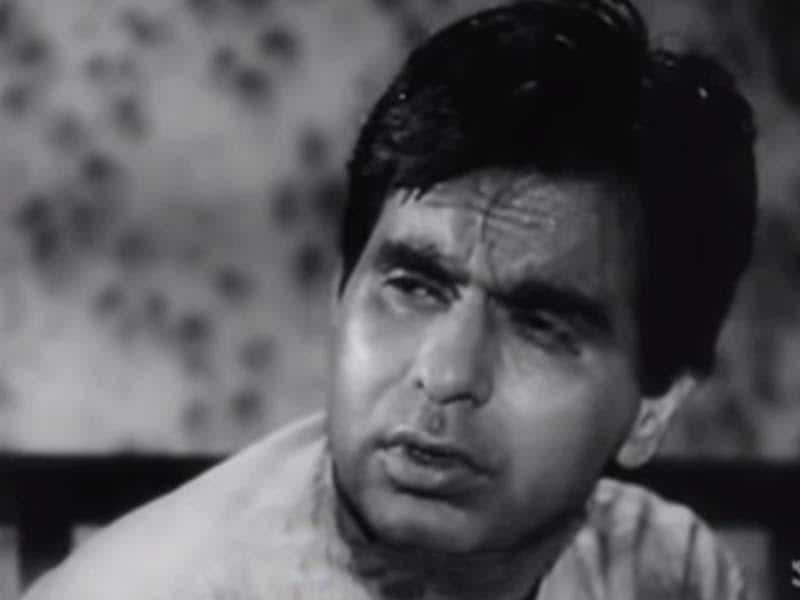 Devdas: Dilip Kumar earned the tag of tragedy king with bimal Roy's 1955 film Devdas based on Sharadchandra's novel.
