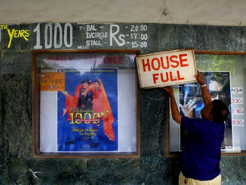 1000th week of Bollywood film Dilwaale Dulhaniyan Le Jaayenge (DDLJ) at Maratha Mandir Theatre, Mumbai . (Photo by Kalpak Pathak / Hindustan Times)