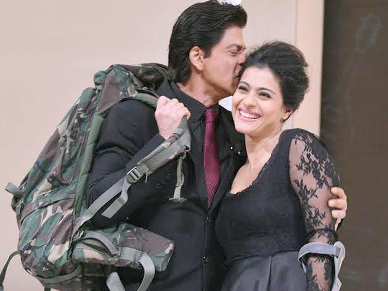 Raj and Simran re-live the romantic times of Dilwale Dulhaniya Le Jayenge as Shah Rukh Khan and Kajol celebrate 1000 weeks of the movie running at Maratha Mandir, Mumbai.