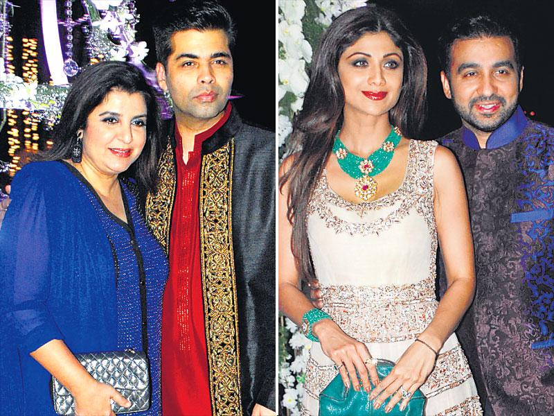 Karan Johar and Farah Khan walked in together at the sangeet ceremony of Riddhi Malhotra and Tejas Talwalkar. Others present included star couple Shilpa Shetty Kundra and Raj Kundra. (HT Photo)