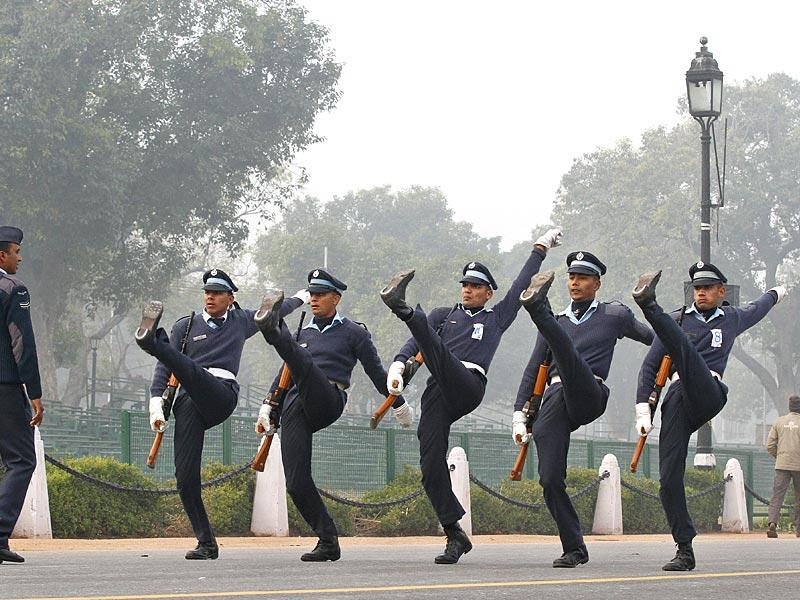 Indian Air Force contingent during rehearsal for the Republic Day parade at Rajpath, in New Delhi. (Arvind Yadav/HT Photo)