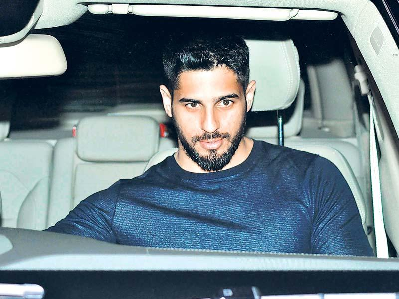 Sidharth Malhotra arrives at the party that Ranbir Kapoor organised to celebrate the success of PK. (Photos: Viral Bhayani)