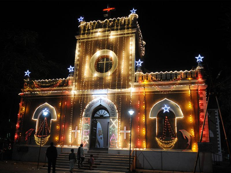 A church at Chhavani in Indore lit up ahead of Christmas. (Amit K Jaiswal/HT photo)