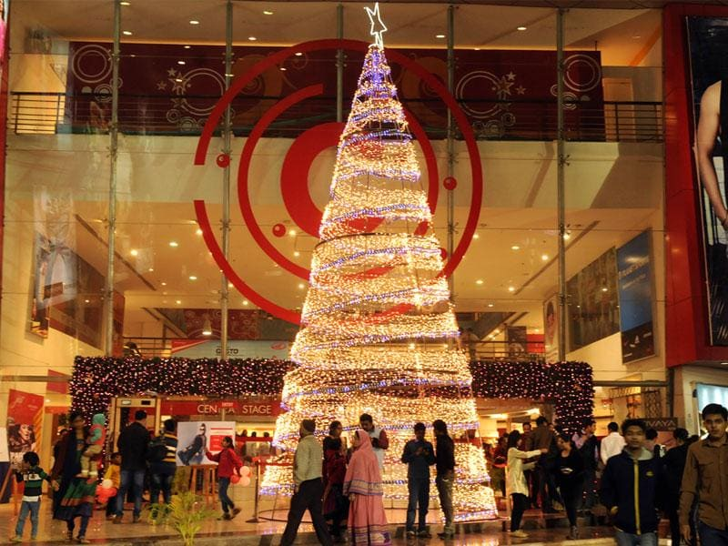 A Christmas tree has been erected at a mall in Indore ahead of Christmas. (Amit K Jaiswal/HT photo)