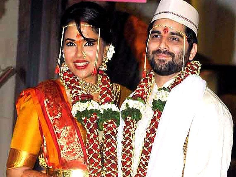 Sameera Reddy married her longtime beau Akshai Verde this January. Only close friends and family were in attendance in this wedding which was put together in 10 days.