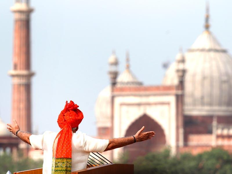 Prime Minister Narendra Modi addresses the nation from Red Fort on the 68th Independence Day in New Delhi. (Ajay Aggarwal/HT Photo)
