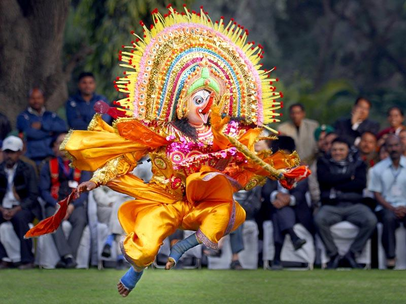 Folk artists perform in front of vice president Hamid Ansari in New Delhi. These artists performed during the Republic day parade. (Virendra Singh Gosain/HT Photo)