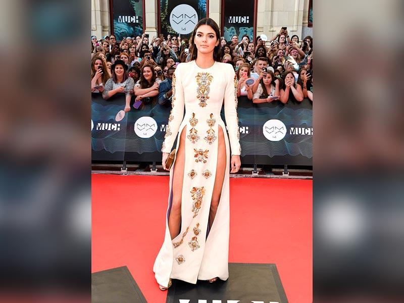 Kendall Jenner: Earlier this year, 2014's leading supermodel Kendall Jenner decided to go commando in a bejeweled Fausto Puglisi cream-colored gown with dual waist-high splits at MuchMusic Video Awards in Toronto.