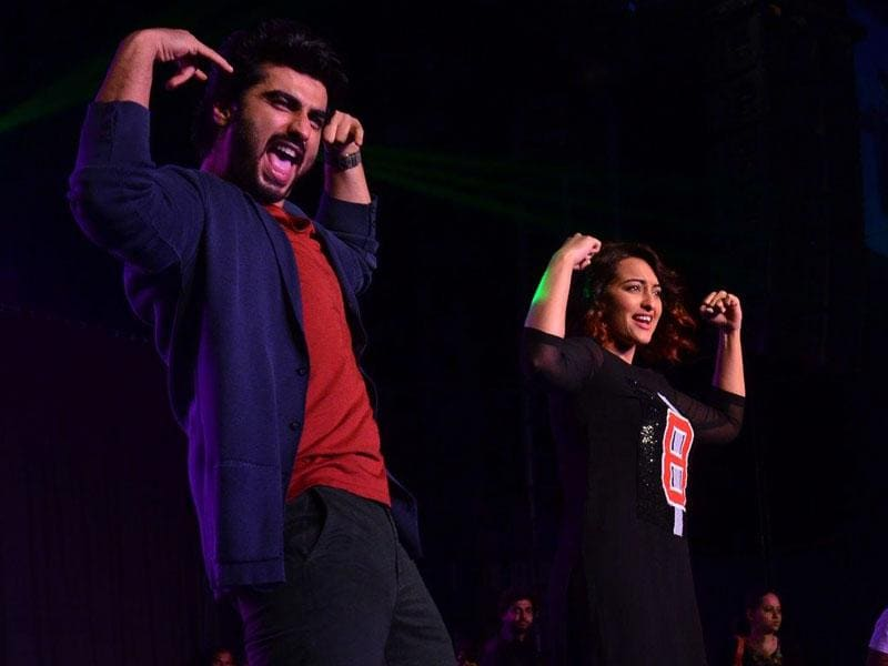 Arjun Kapoor and Sonakshi Sinha during the promotion of their upcoming film Tevar, on Jan 2, 2015. (Photo: IANS)