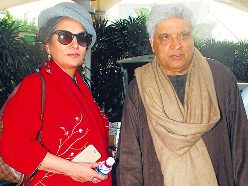 It seems that a lot of Bollywood celebrities were on vacation to bring in the New Year. Spotted among other celebs were Shabana Azmi and Javed Akhtar, with Shabana doning a grey bowler hat and a red coat. (HT Photo)