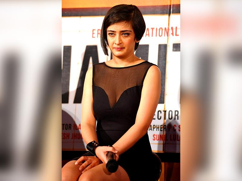 The film's female lead Akshara Haasan.