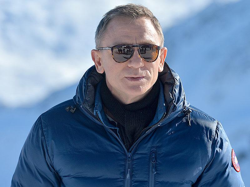 British actor Daniel Craig poses during a photo call in Soelden, Austrian province of Tyrol, Wednesday, January 7, 2015, where the 007 movie Spectre will be produced. (AP)