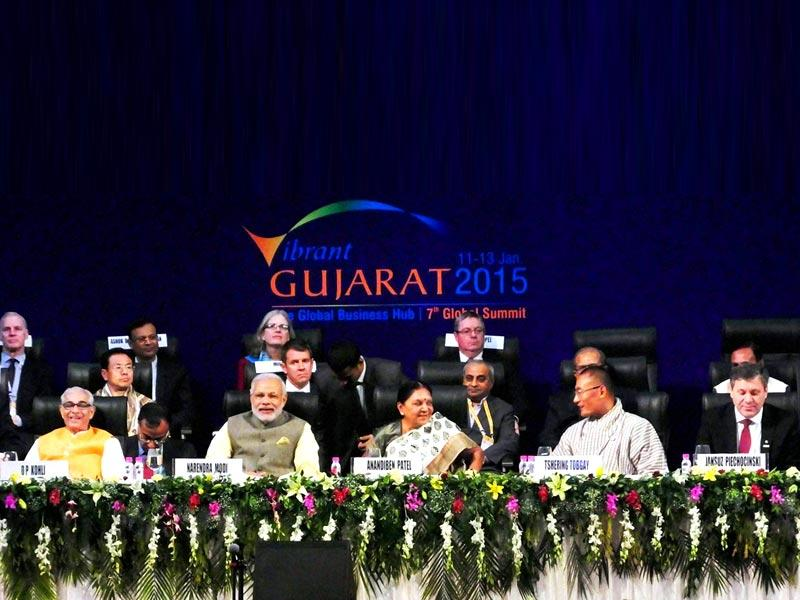 Prime minister Narendra Modi with Gujarat chief minister Anandiben Patel and governor of Gujarat OP Kohli and other dignitaries at Vibrant Gujarat Global Summit 2015 in Gandhinagar, Gujarat. (PTI Photo)