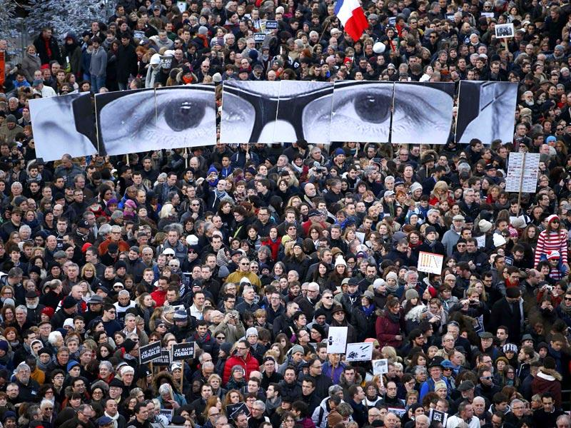 Hundreds of thousands of French citizens take part in a solidarity march (Marche Republicaine) in the streets of Paris January. (Reuters)