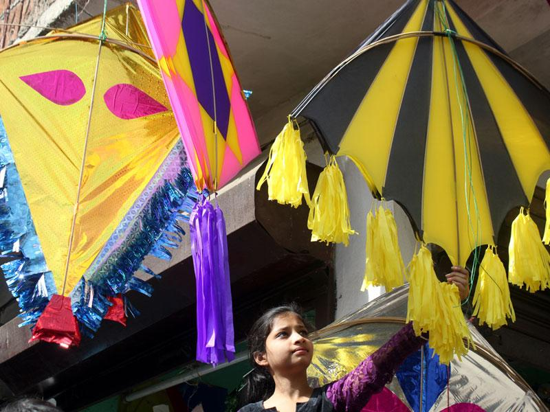 Kites put up for sale in Indore on Tuesday ahead of Makar Sankranti. (Shankar Mourya/HT photo)
