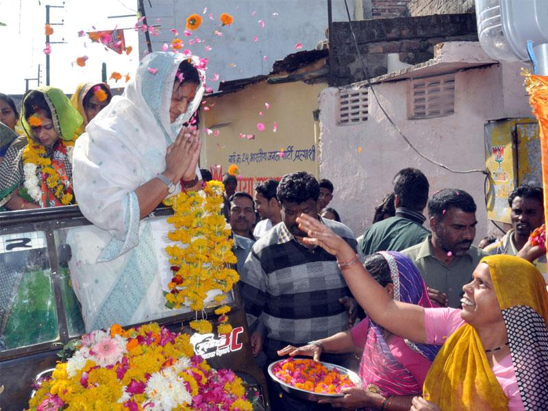 Malini Gaud is set to become the second woman mayor of Indore with a lead of over 2.50 lakh votes against her Congress rival Archana Jaiswal. (Shankar Mourya/HT file photo)