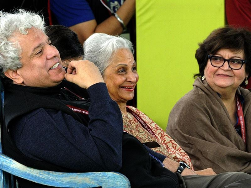 Suhel Seth and Wahida Rehman listen to lyricist Javed Akhtar adress the session on Gaata Jaye Banjara: Film Songs- Urdu, Hindi, Hindustan. Photo by Mohd Zakir / Hindustan Times
