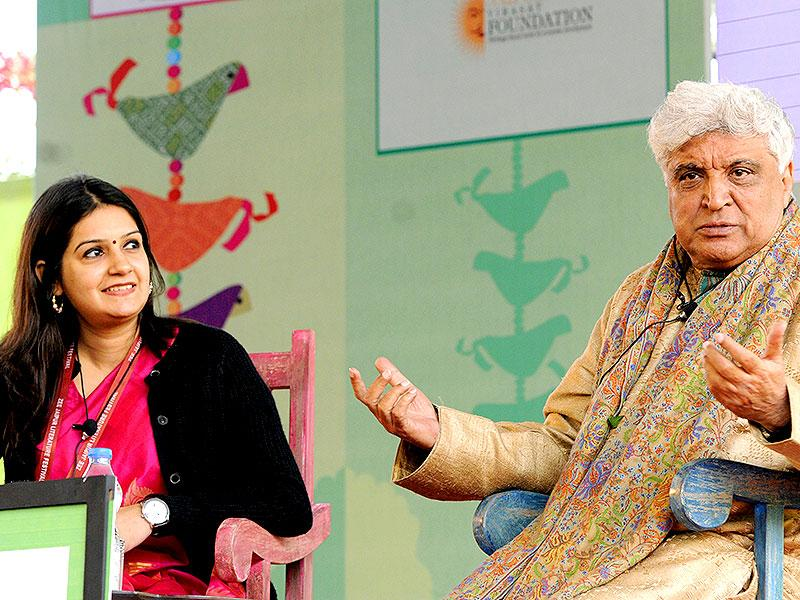 Lyricist Javed Akhtar adress the session on Gaata Jaye Banjara: Film Songs- Urdu, Hindi, Hindustan. Photo by Mohd Zakir / Hindustan Times