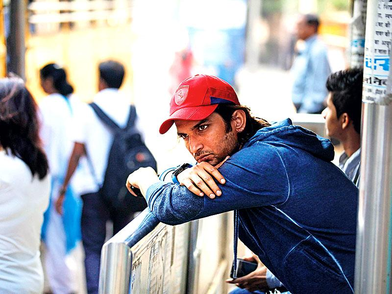 In a thoughtful pose, at a bus stand! Sushant Singh Rajput revisits his struggling days. (Photo: Vidya Subramanian/HT)