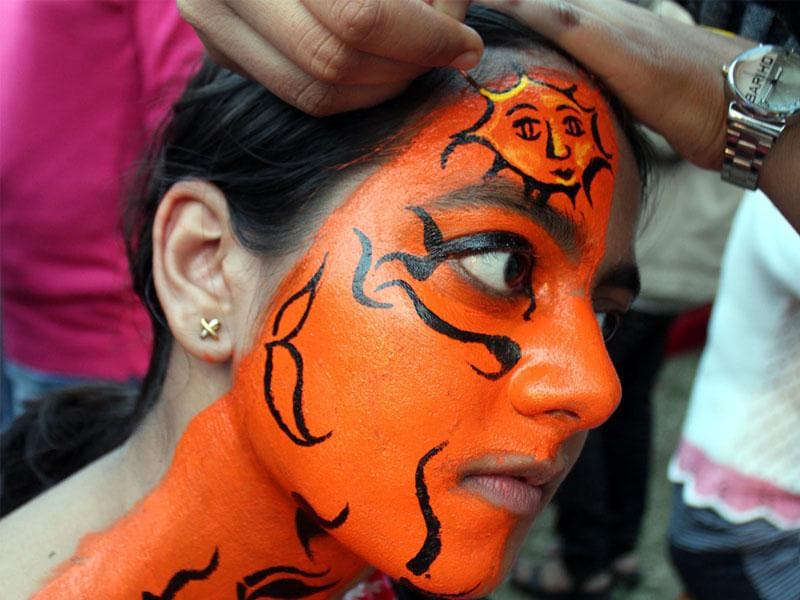 A face painting competition organised by Pratibimb, a fine arts and photography club, in Indore on Wednesday. (Shankar Mourya/HT photo)