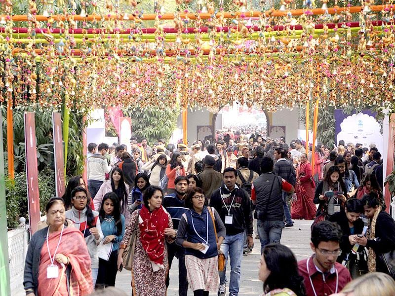 Visitors arrive for the Jaipur Literature festival at Diggi Palace. Photo by Himanshu Vyas/Hindustan Times