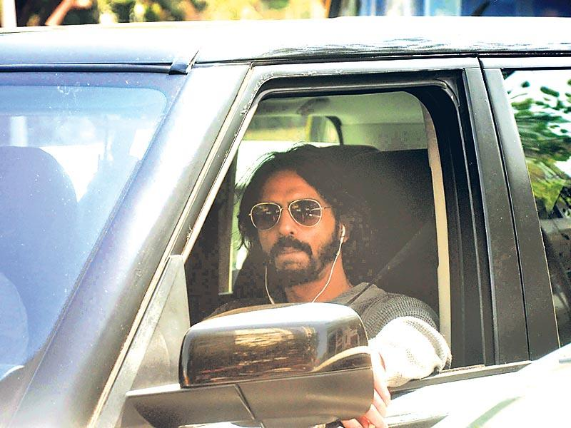 A nearly unrecognisable Arjun Rampal was seen on a street in Juhu, Mumbai. (Photo: Viral Bhayani)