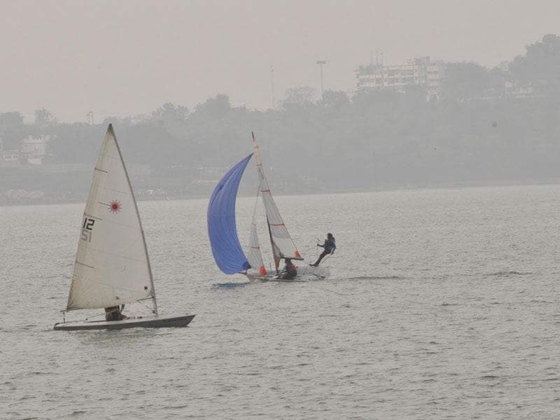 The Upper Lake in Bhopal covered in a veil of mist on Friday evening. (Praveen Bajpai/HT photo)