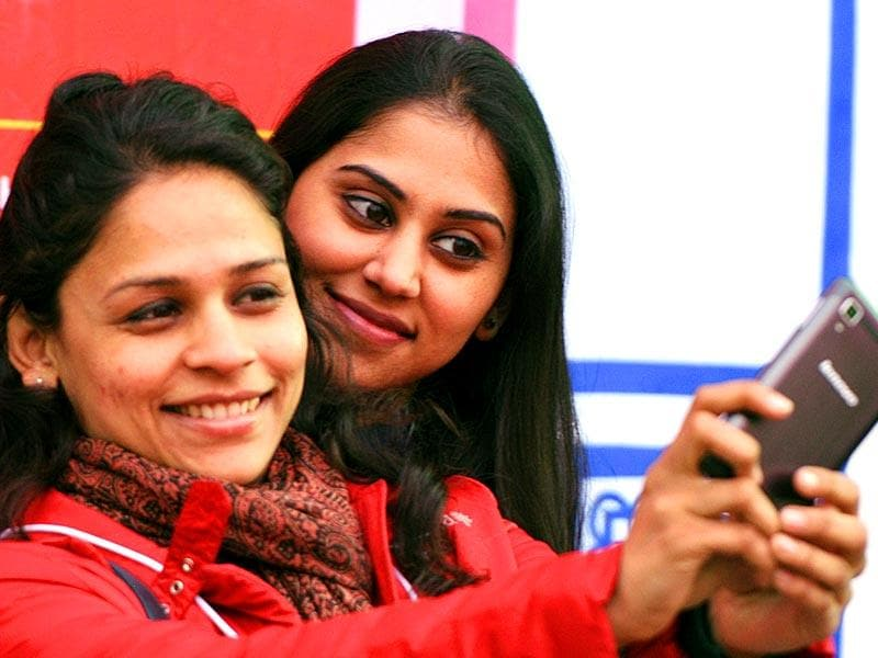 Visitors were seen taken selfies during the festival. (Photo: Mohd Zakir /HT)