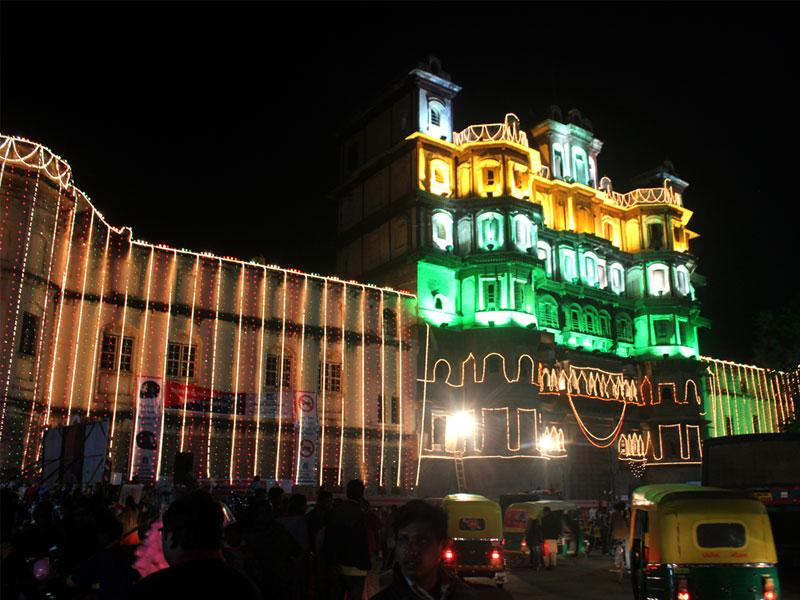 Rajwada in Indore lit up on the occasion of Republic Day. (Shankar Mourya/HT photo)